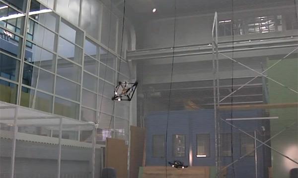 Жонглирующие квадрокоптеры (видео)